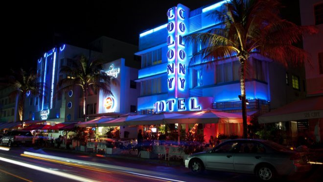 Miami's Architecture: Colony Hotel, Ocean Drive