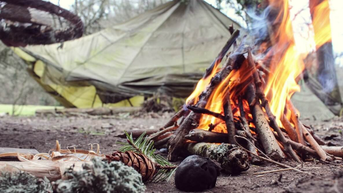 Essential Survival Gear You Need when Traveling in Nature