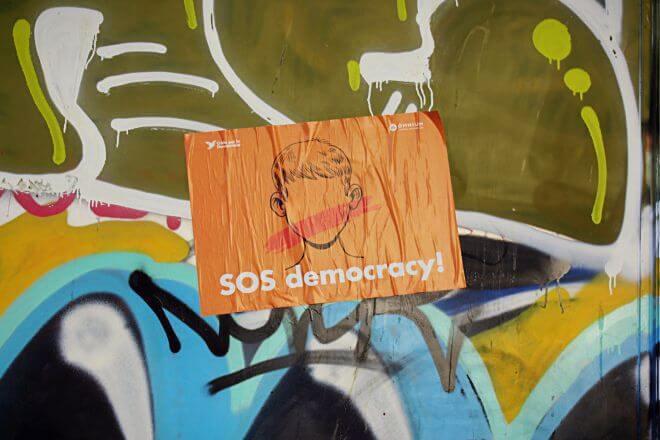 Catalan Independence in Barcelona - SOS Democracy + Graffiti