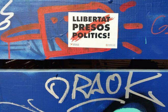 Catalan Independence in Barcelona - Freedom for the Political Prisoners + Graffiti