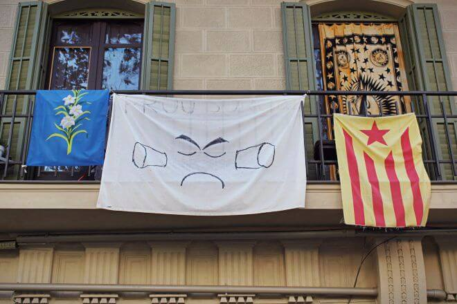 Catalan Independence in Barcelona - Indignation from the Balcony