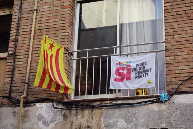 Catalan Independence in Barcelona - To Live Means to Take a Side