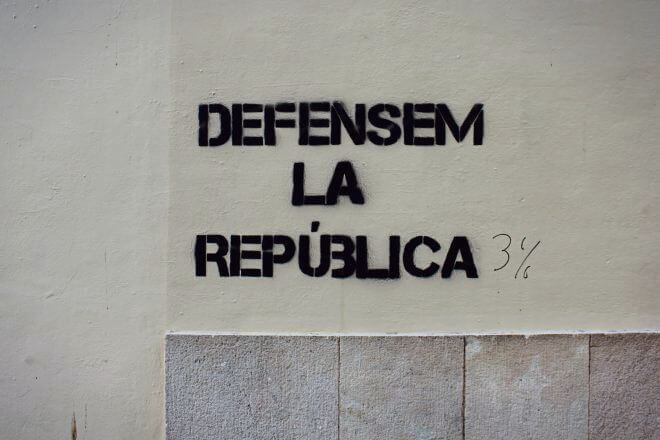 Catalan Independence in Barcelona - We Defend the Republic (of 3%?)