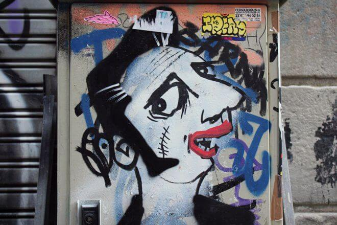 Street Art in Barcelona: Rockabilly by Pajaro