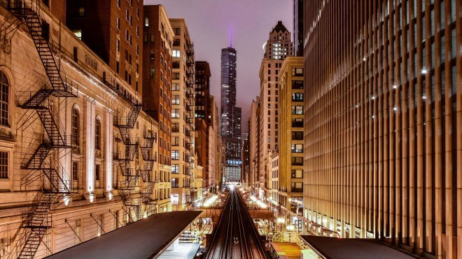 US Coast to Coast: Chicago Cityscape from Adams/Wabash